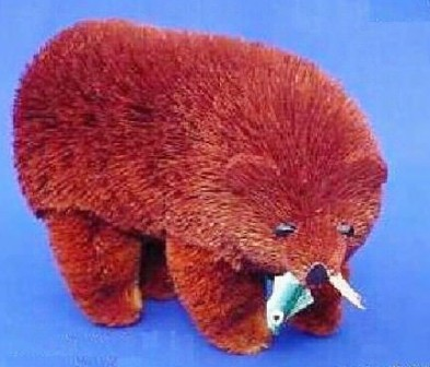 BRUSH33FS - BrushArt Animals | Eco-Friendly, Buri Posable, Tabletop Bear Brown 7 inch with Fish