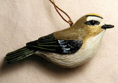FWC164 - Fisher Wildlife Bird Ornaments Golden Crowned Kinglet